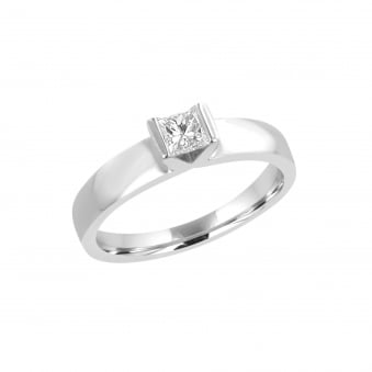 Pre-owned Platinum 0.25ct Princess Diamond Solitaire Ring